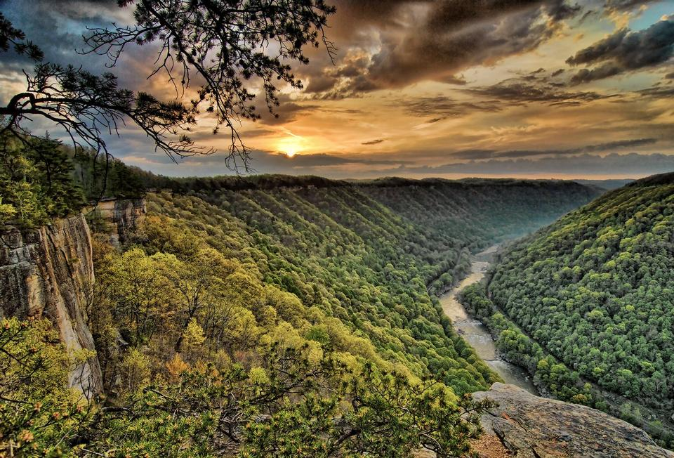 Diamond Point Sunrise New River Gorge National River