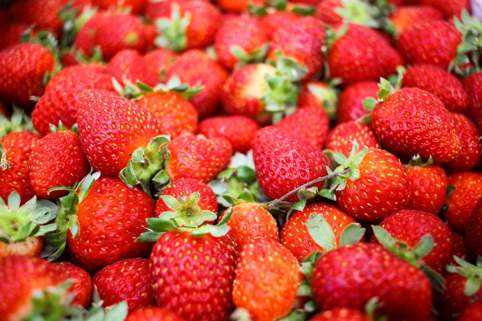 Free download high resolution image - free image free photo free stock image public domain picture  Close up of many Korea strawberry stacked together