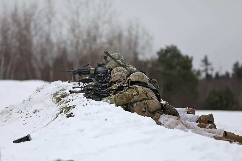 Platoon live fire certification in the snow