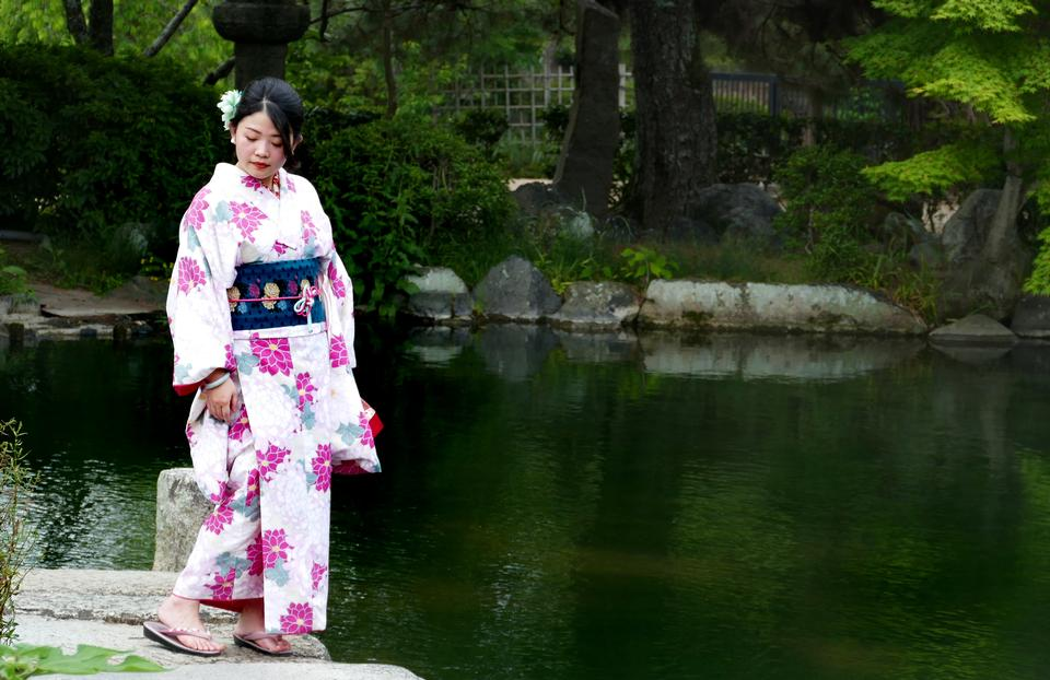 Free download high resolution image - free image free photo free stock image public domain picture  traditional Japanese garment. Kimono Girl