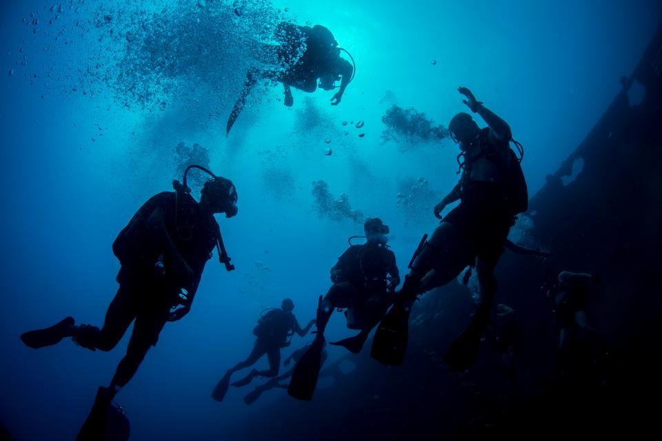 Free download high resolution image - free image free photo free stock image public domain picture  U.S. Navy divers